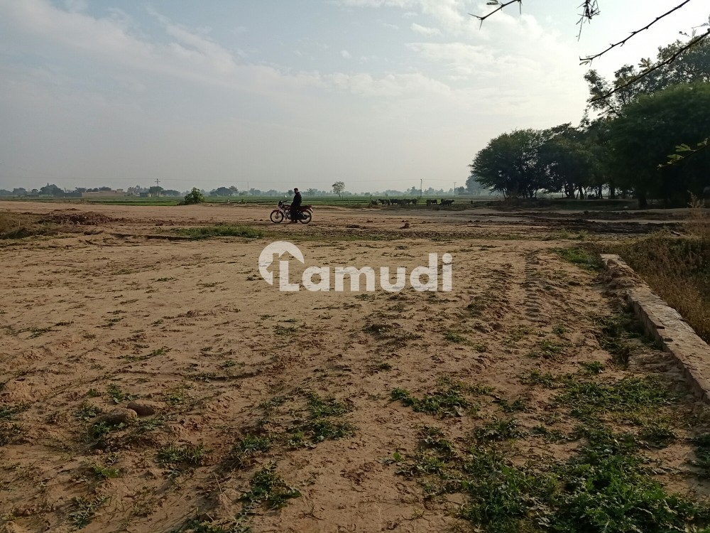 Commercial Plot Is Available For Sale On Silkot Road - Others