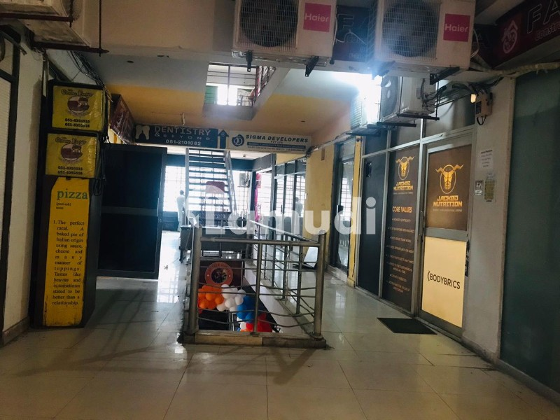 Beautiful Space Above Gloria Jean On First Floor F-11 Markaz For Rent - F-11 Markaz