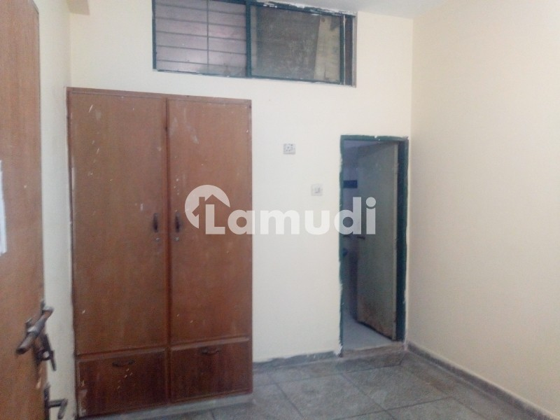 Room Available For Rent - Faisal Town