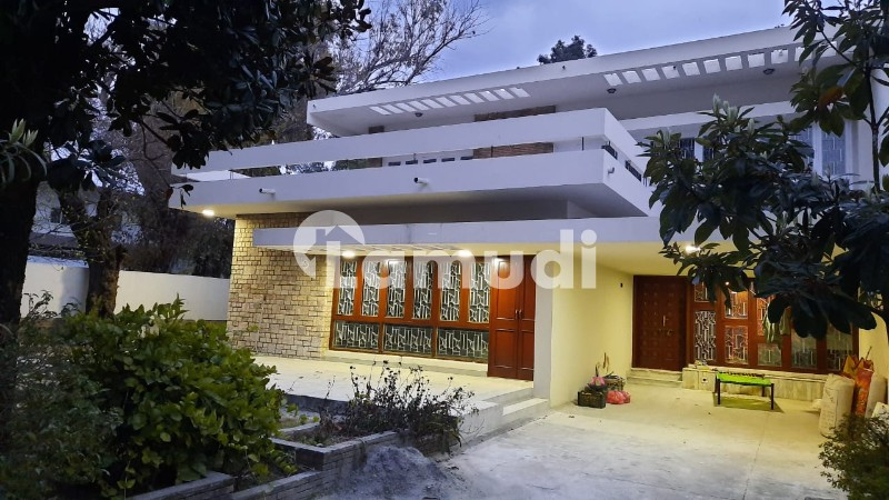 G6 686 Sq Yd Beautiful House On A Very Good Location Is Available For Rent - G-6