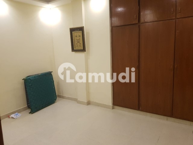 Commercial Flat  Is Available For Rent 5 Marla - Gulberg 2