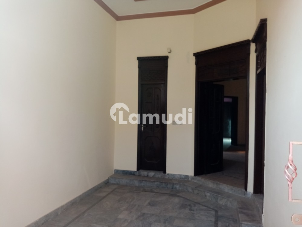 5 Marla House Ideally Situated In Sui Gas Road - Sui Gas Road