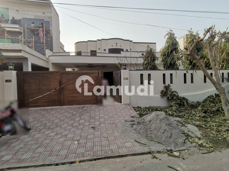 1 Kanal Double Storey House Is Available For Rent In Beautiful Wapda Town - Wapda Town Phase 1