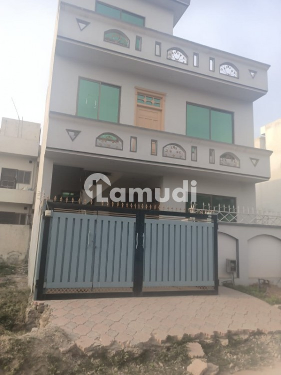 900  Square Feet House Up For Sale In G-14 - G-14