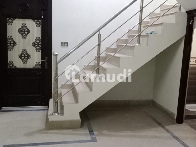 6 Marla 3 Storey House Available For Rent Main Collage Road Madina Town - Madina Town
