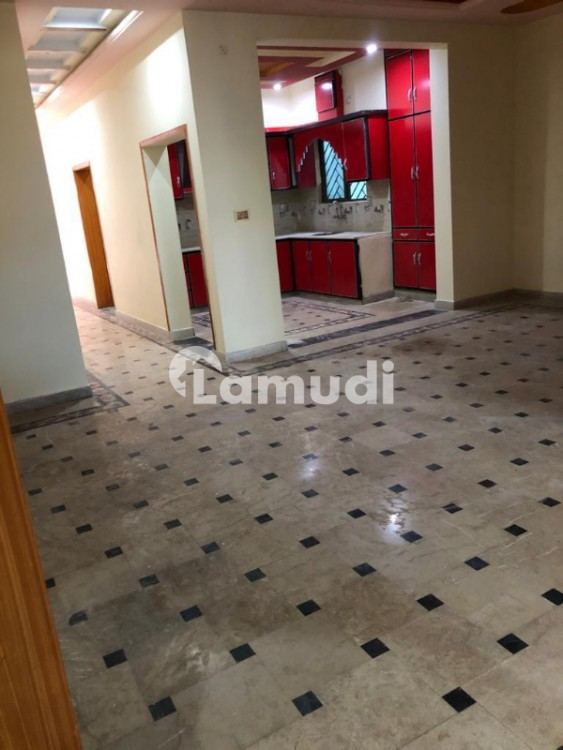 6 Bed Rooms  6 Washroom 2  House - Bosan Road