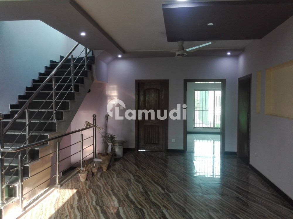 7 Marla House For Rent In The Perfect Location Of Bahria Town Rawalpindi - Bahria Town Phase 8 - Umer Block