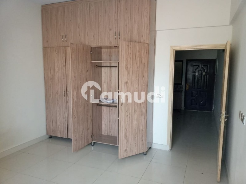 One bedroom apartment available for rent in Defense Exective Tower - Defence Residency