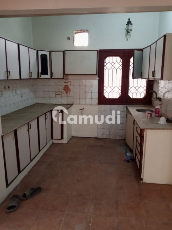 240 Yards Independent Single Storey 3 Bed House Is Available For Rent - Gulshan-e-Iqbal - Block 10