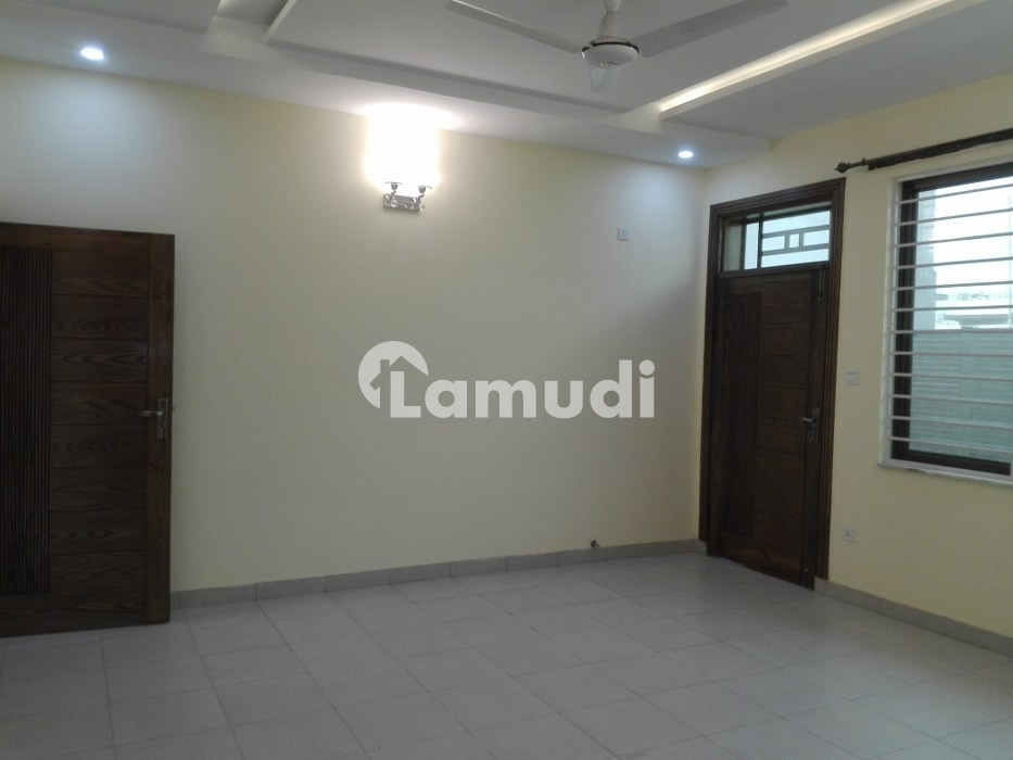 700 Square Feet Flat In E-11 For Rent - E-11