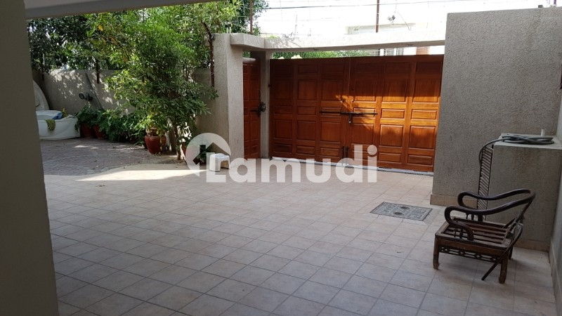 500 Yard Bungalow 7 Bed For Rent 2 Unit - DHA Phase 6