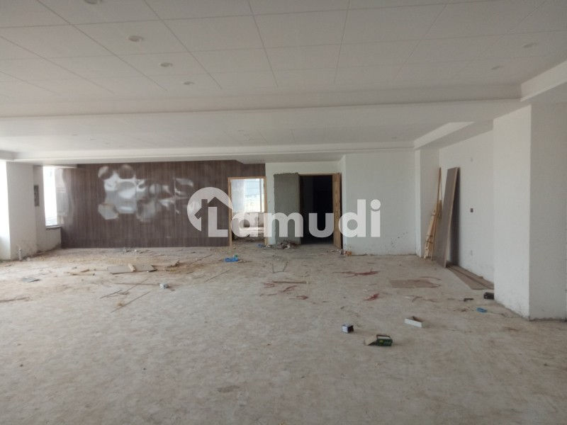 4500 Sq Ft First Floor Commercial Corner Space For Rent Opposite Emporium Mall Near With Canal Road - Johar Town Phase 2 - Block H3