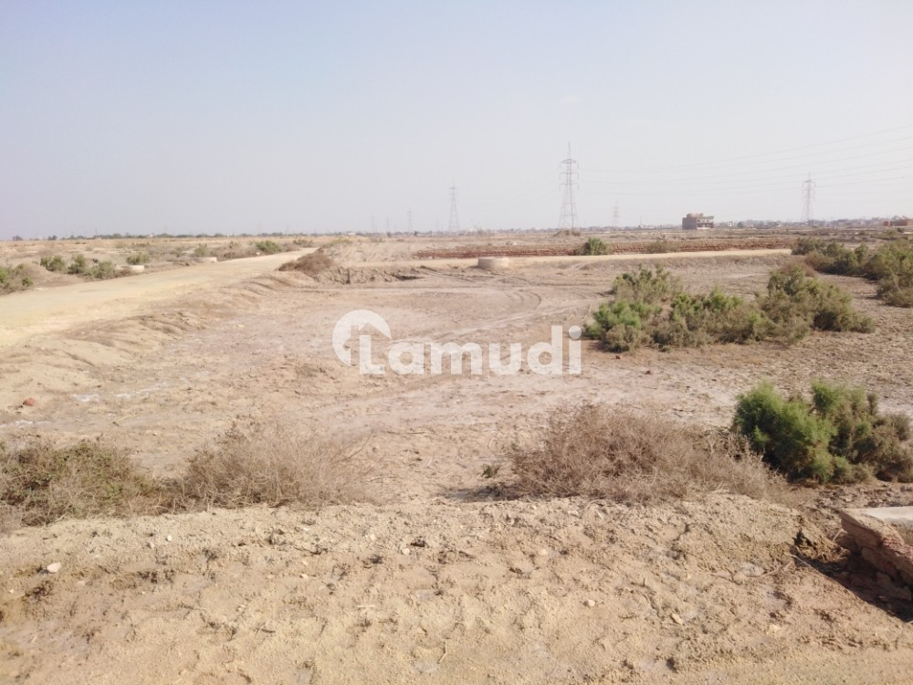 5 Acre Residential Land available for sale at Main Highway road Badin to Hyderabad Road, Badin - Badin