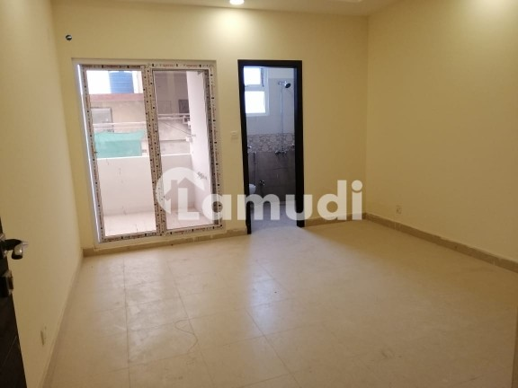 One Bed Unfurnished Luxurious Apartment For Rent - Islamabad Expressway