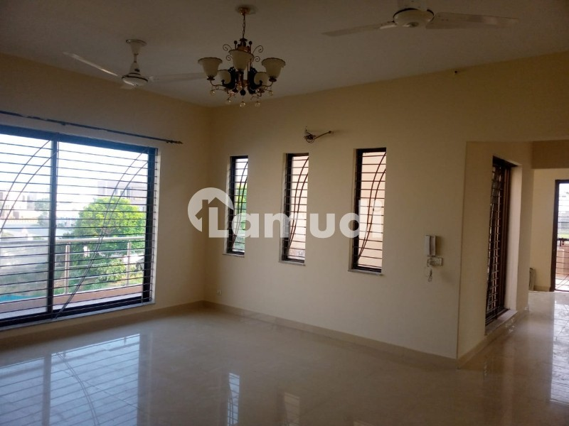 One Kanal Facing Sport Complex Upper Potion For Rent In DHA Phase 6 - DHA Phase 6 - Block B