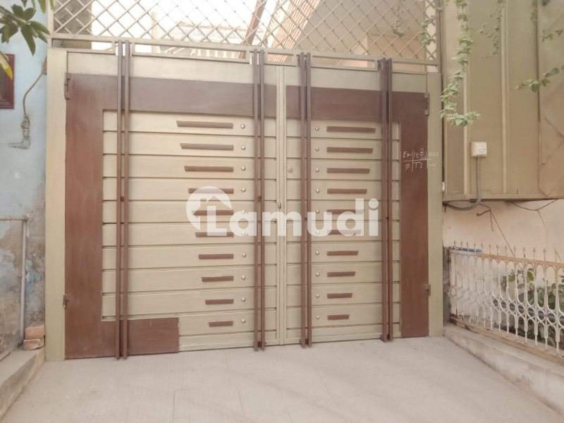 Commertial Building For Rent In Beautiful Madina Colony - Madina Colony