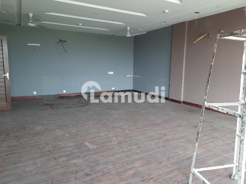 4 Marla Commercial Building Good Location Good Deal With Owner - DHA Phase 6 - Main Boulevard