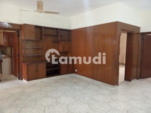 1Kanal  Renovated Lower Portion Available For Rent In Model Town