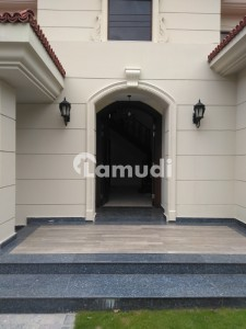32 Marla House For Rent In Main Cantt