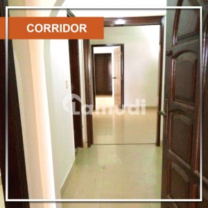 Stunning 2500  Square Feet Flat In D.H.A Available