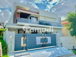 1 Kanal Brand New Luxury Architecture Style Bungalow For Sale