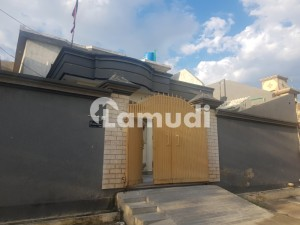 3 bed room, 3 bathroom ,open kitchen,tv lounge, 2 store room, tarris 3foot gallery,car porch with capacity of 2cars ,20 feet gully