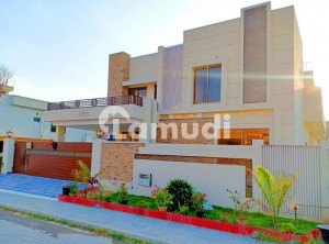 1 Kanal Brand New Luxury Bungalow For Sale
