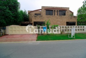 10 Marla Fully Renovated House For  Rent In Dha Phase 2