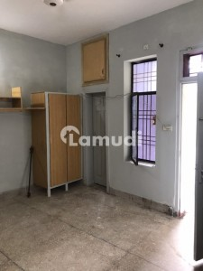 1 Bed Plus Attached Bath Luxury Room