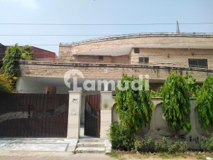 Upper Portion Of 1 Kanal For Rent In Canal View
