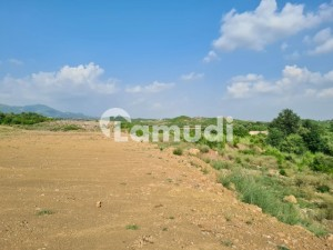 2nd To Corner Near To Park And Main Road For Sale Best Plot For Investment As Well As For Residence