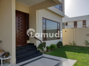 700 Yards Bungalow 6 Beds 2 Unit Ideal  Two Family Separate Gates Ample Parking