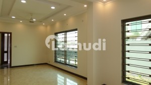 Perfect 4 Marla Flat In G-6 For Rent