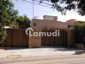 Dha Phase 1 Center 4th Street House Good Location For Rent