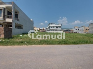 400 Sq Yards Plot For Sale At Prime Location Of E-11