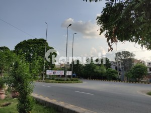 1 Kanal Idea Location Plot For Sale No 113 Block E1