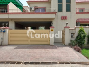 10 Marla House Available For Rent In Askari Colony