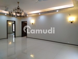 500 Square Yards Upper Portion Ideally Situated In DHA Defence