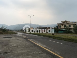 40x80 Plot For Sale On 70 Feet Road