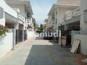 250 Yard Town House Available For Sale
