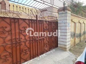 1 Kanal House For Sale At Prime Location