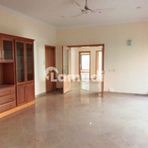 Triple Store 6 Beds Luxury House For Rent In F8