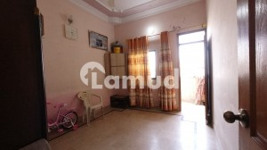 Road Facing 2nd Floor With Roof Portion For Sale In Federal B Area  Block 8
