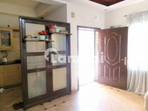 Flat For Rent 5 Marla Almost Breandnew