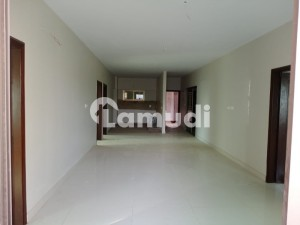 4 Bed Brand New Apartment West Open