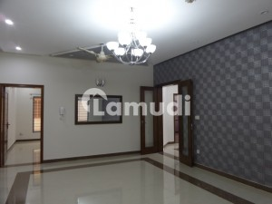 In G-11 Flat Sized 700 Square Feet For Rent