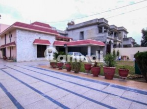 2 Kanal Well Constructed And Maintained Villa