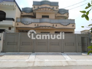 10 Marla House Is Available In Hayatabad