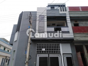 In Hayatabad House Sized 5 Marla For Sale