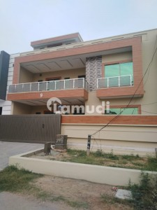 brand new 40x80  luxury style house or sale